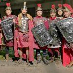 Alcuni centurioni comparsi nella scorsa edizione del presepe vivente