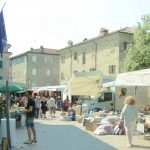 Banchi e bancarelle a Villa Minozzo (4)