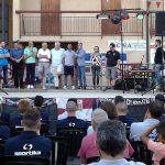 Un momento della cerimonia in cui Villa Minozzo ha salutato l'arrivo della Reggiana