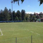 Uno scorcio del campo sportivo di Villa Minozzo, rimesso a nuovo in occasione del ritiro della Reggiana