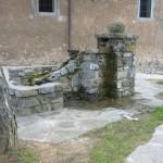 Fontana nella piazza di Sologno