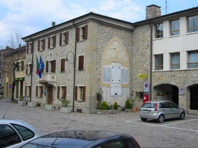 Comune Di Bianco Ufficio Tributi : Uffici comunali u comune di villa minozzo